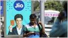 Fuentes: Facebook en conversaciones para comprar una participación multimillonaria en Reliance Jio para expandir su presencia en India; fuente dice que se acercaba un acuerdo por una participación del 10% (Financial Times) 46