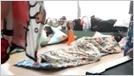 """Amazon está investigando las reclamaciones de sus contratistas que duermen en condiciones """"infrahumanas"""" en camas improvisadas en un centro de llamadas de Filipinas debido a restricciones de viaje (Dave Lee / Financial Times) 7"""